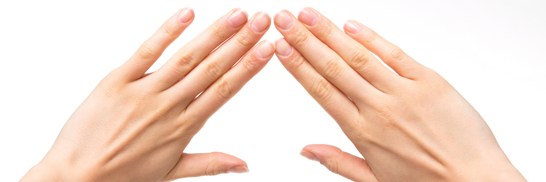 sievietes rokas pēc karpālā kanāla operācijas